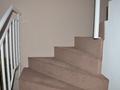 Pokládka koberce na schody, stěrka podlah, malba